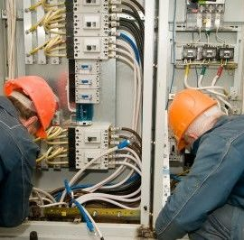 Difference Between Electrician and Electrical Contractors